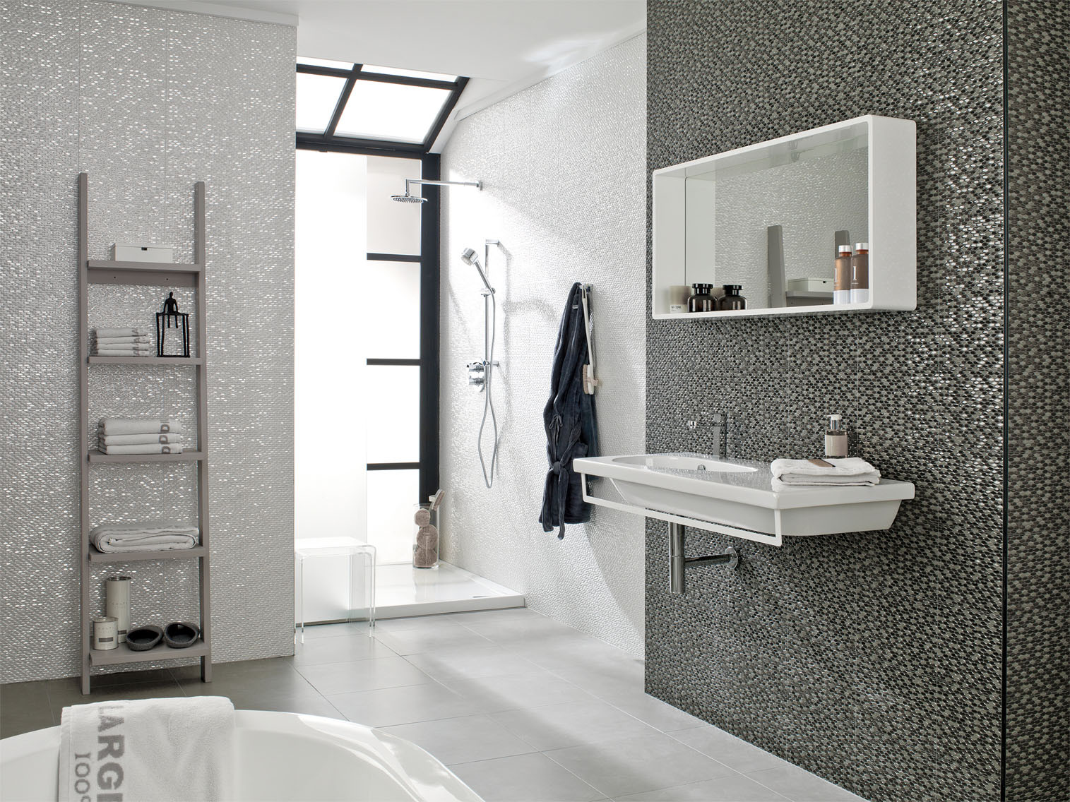 Porcelanosa madison antracita 31 6 x 90 cm maison - Carrelage salle de bain design ...