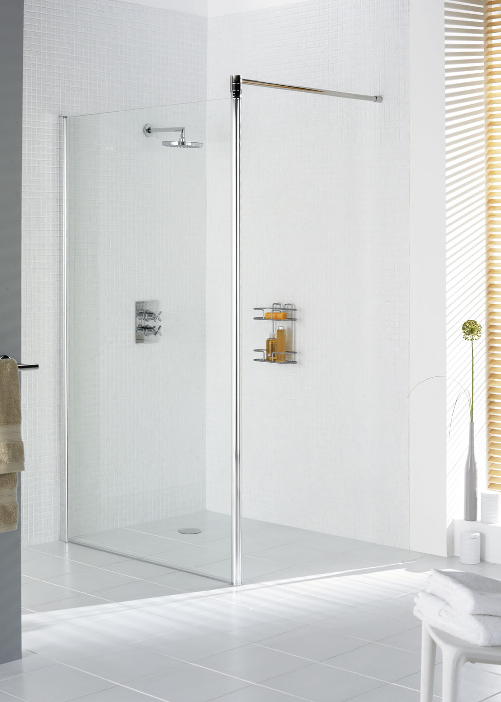 Lakes Classic Shower Screen